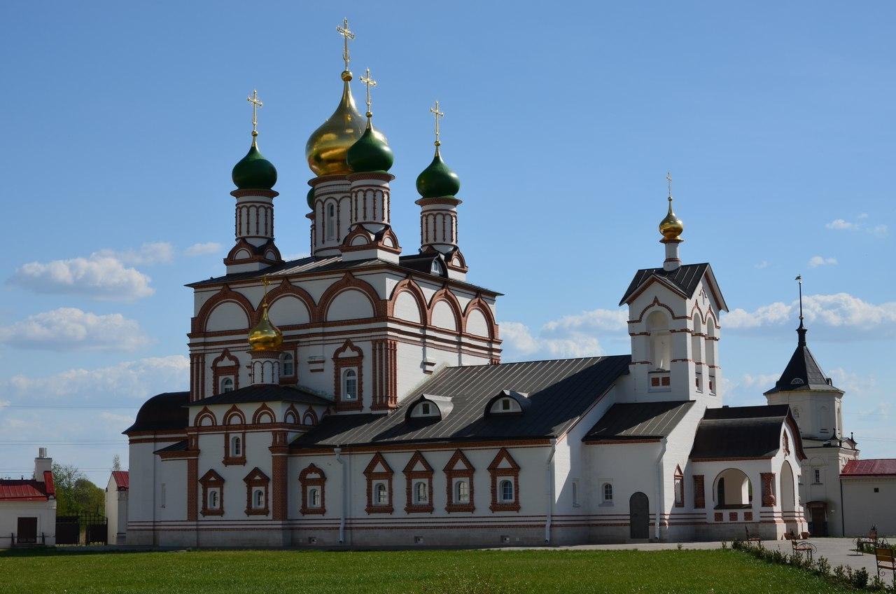 XEgxbTBnrTg Ростов Великий один из древнейших городов России.
