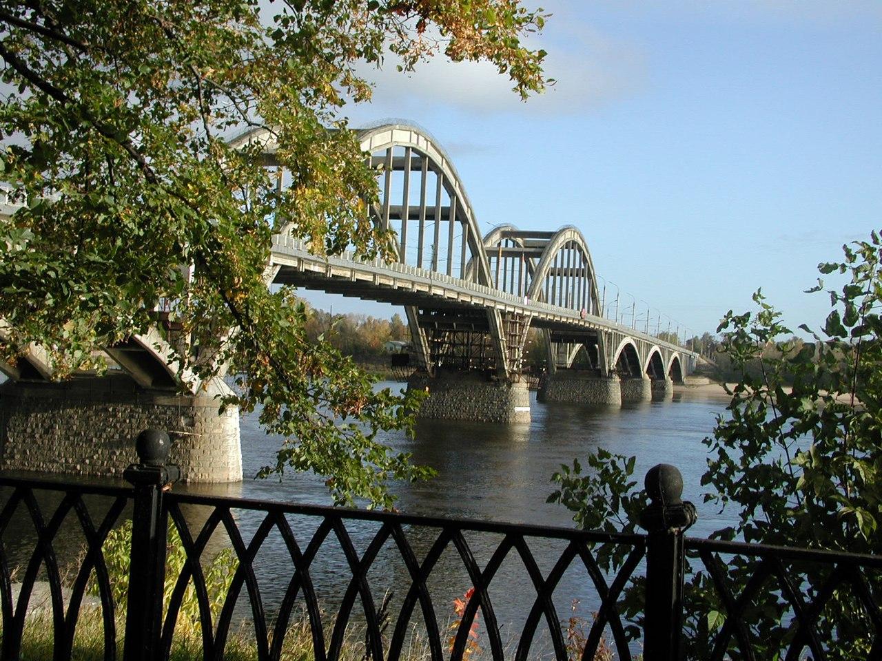 7SJOx8JR13I Рыбинск - красивый старинный город на Волге.