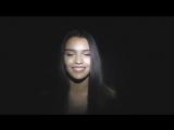 Jah Khalib - мамасита (Красивая брюнетка классно поет популярную песню)