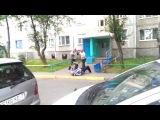 Уличная драка - Разборка бухих дедков