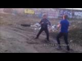 Уличная драка школьников - Закидал лоу - киками в голову