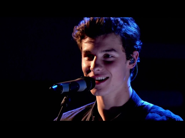 Shawn Mendes - There's Nothing Holdin' Me Back [Live on Graham Norton]