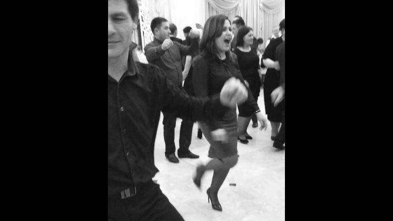 Начинающие танцоры лезгинки )😂🙈🙊🙉🐵🙈