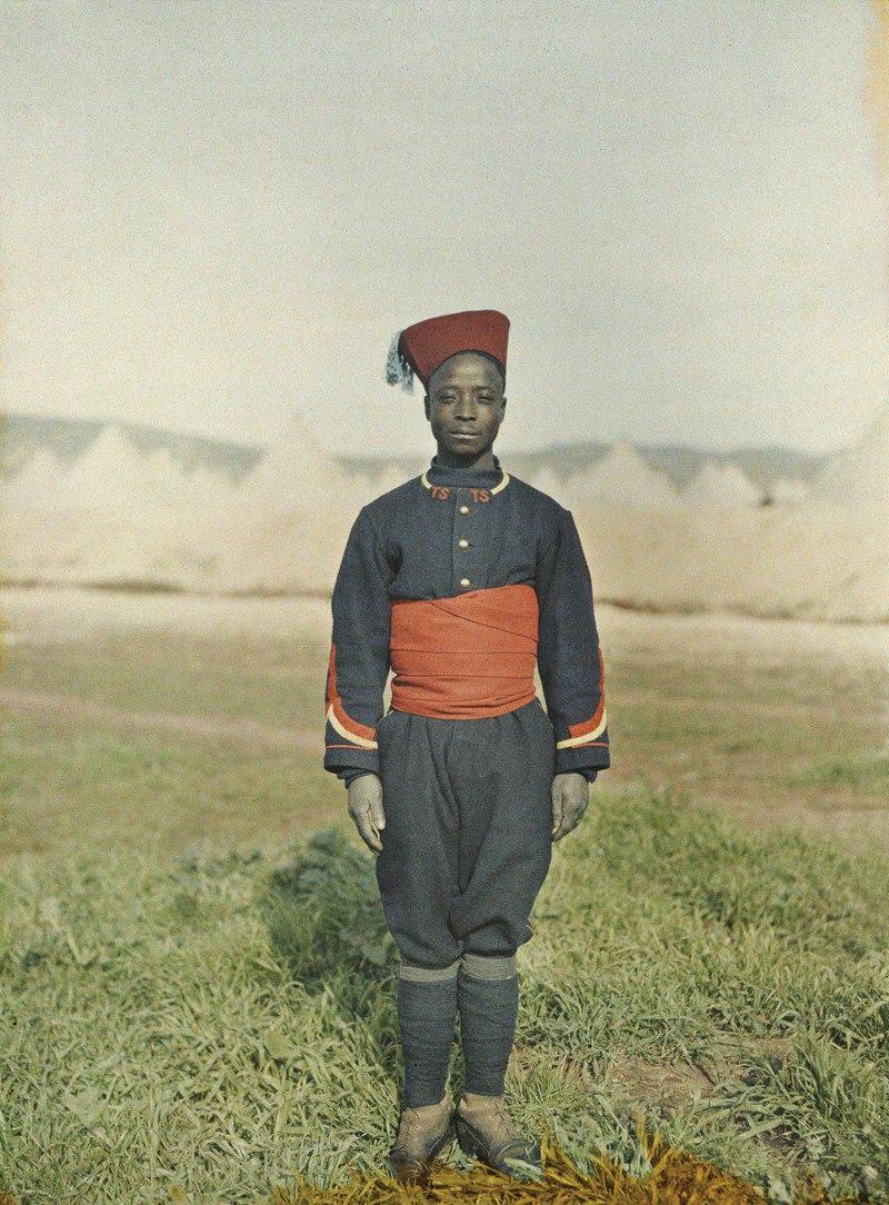 Марокко, г. Фес (Сенегальский снайпер), 1913. © Музей Альберта Кана