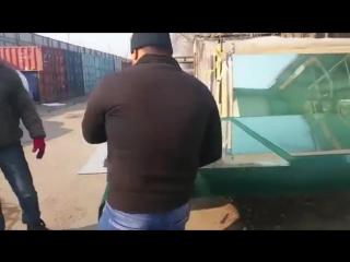 Учитесь резать стекло у таджиков. Стеклорез 80-й уровень