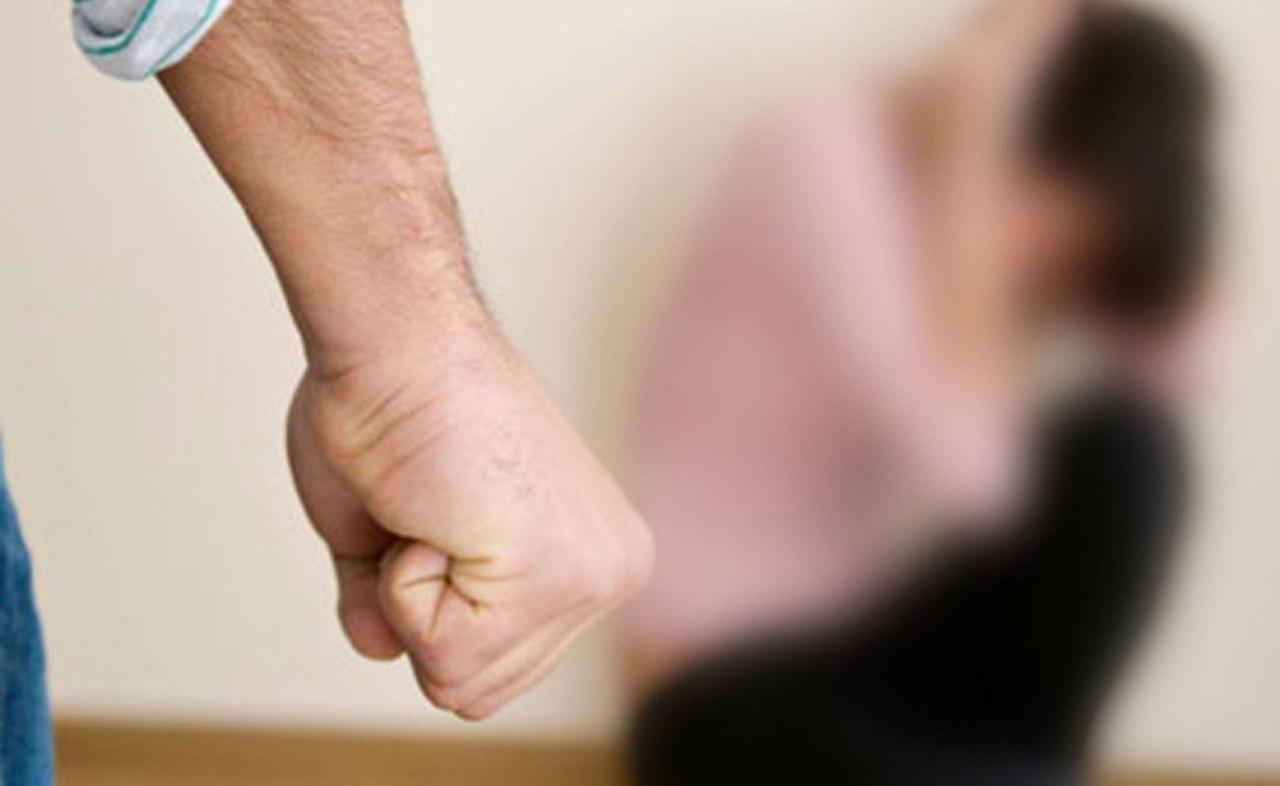 Гражданин Калужской области истязал свою 11-летнюю дочь