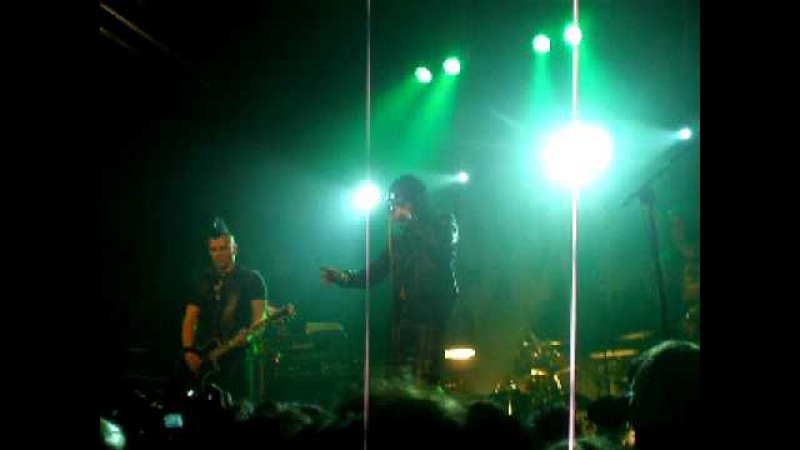 The 69 Eyes - Gothic Girl (live in Madrid, 1-3-2010)