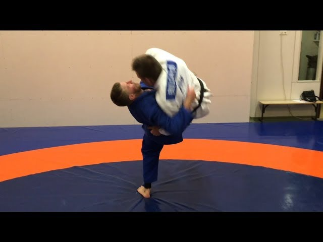 Дзюдо.Бросок через грудь с зашагиванием.Прогиб дзюдо.бросок зацеп снаружи.Judo.Ura nage.Kosoto gake