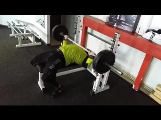 Melnyk A. benchpress workout 100kg×50 reps » Freewka.com - Смотреть онлайн в хорощем качестве