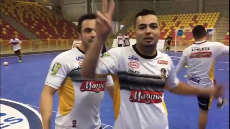 Фалкао и Эдер Лима на тренировке клуба «Магнус Сорокаба»