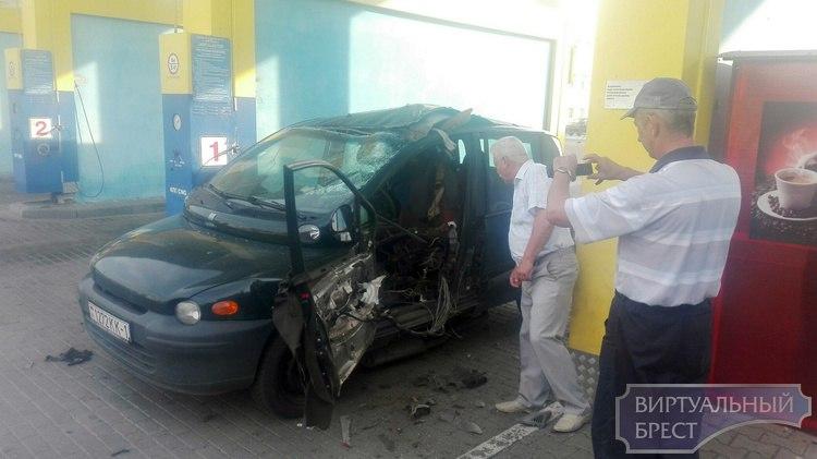 В Бресте на газовой заправке у легкового автомобиля взорвался баллон