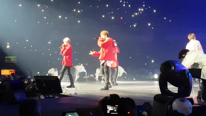 [Fancam] 170311-12 BTS - Lost Save ME I NEED U @ 2017 BTS LIVE TRILOGY EPISODE III: The Wings in Santiago