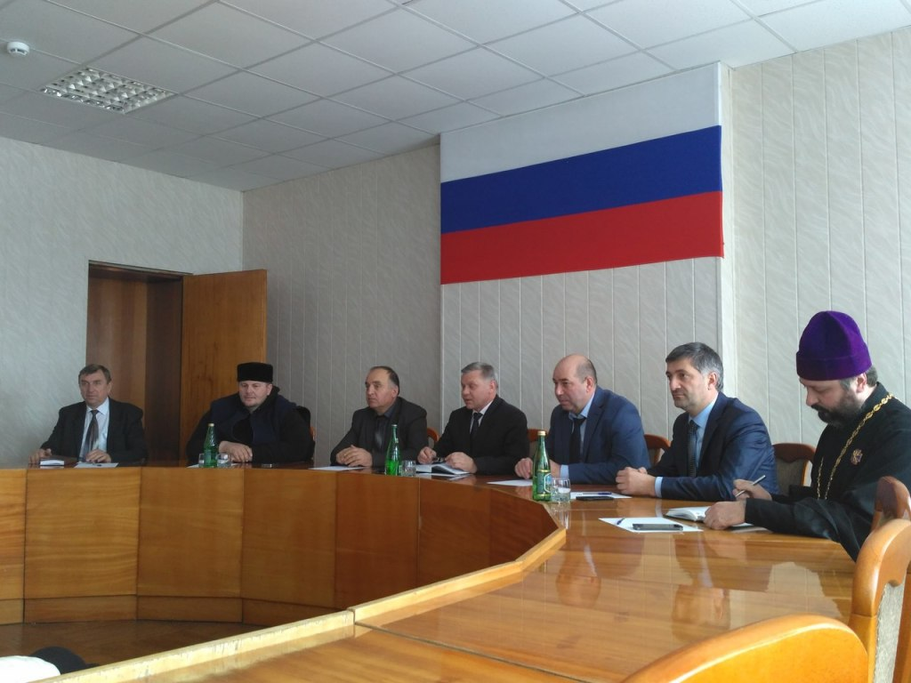 Зеленчукский район посетил министр по делам национальностей, массовых коммуникаций и печати