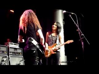 Marty Friedman Vs Takayoshi Ohmura - Live Guitar Duel In Madrid