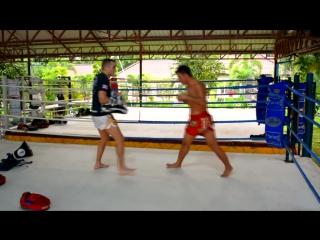 Урок 54: Удар коленом (в прыжке ), Тайский бокс. Техника, обучение от Тайцев / ufcall