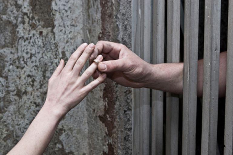 Томский заключенный пойдет под суд за взятку в 12 тыс руб, чтобы продлить свидание