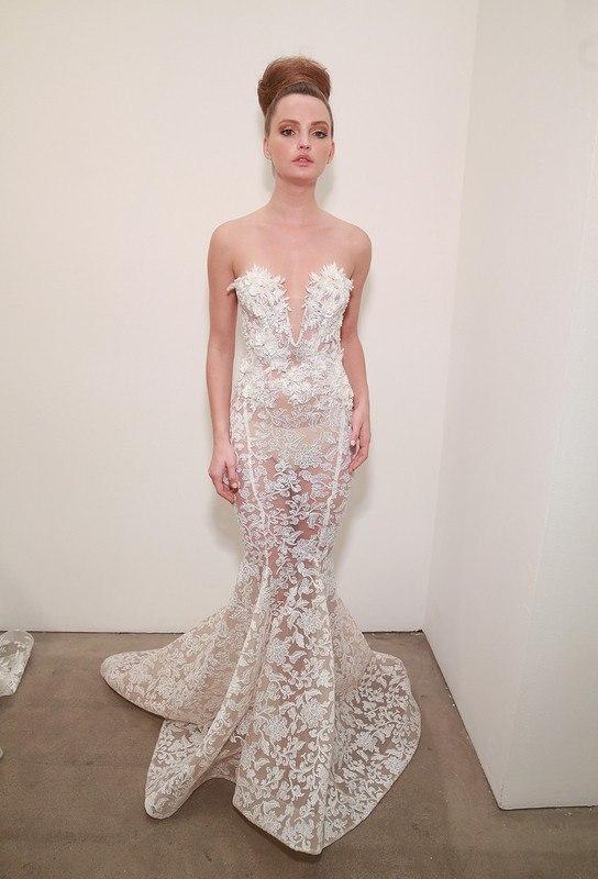 bknOLBACqbs - Неделя моды в Нью-Йорке - 2017