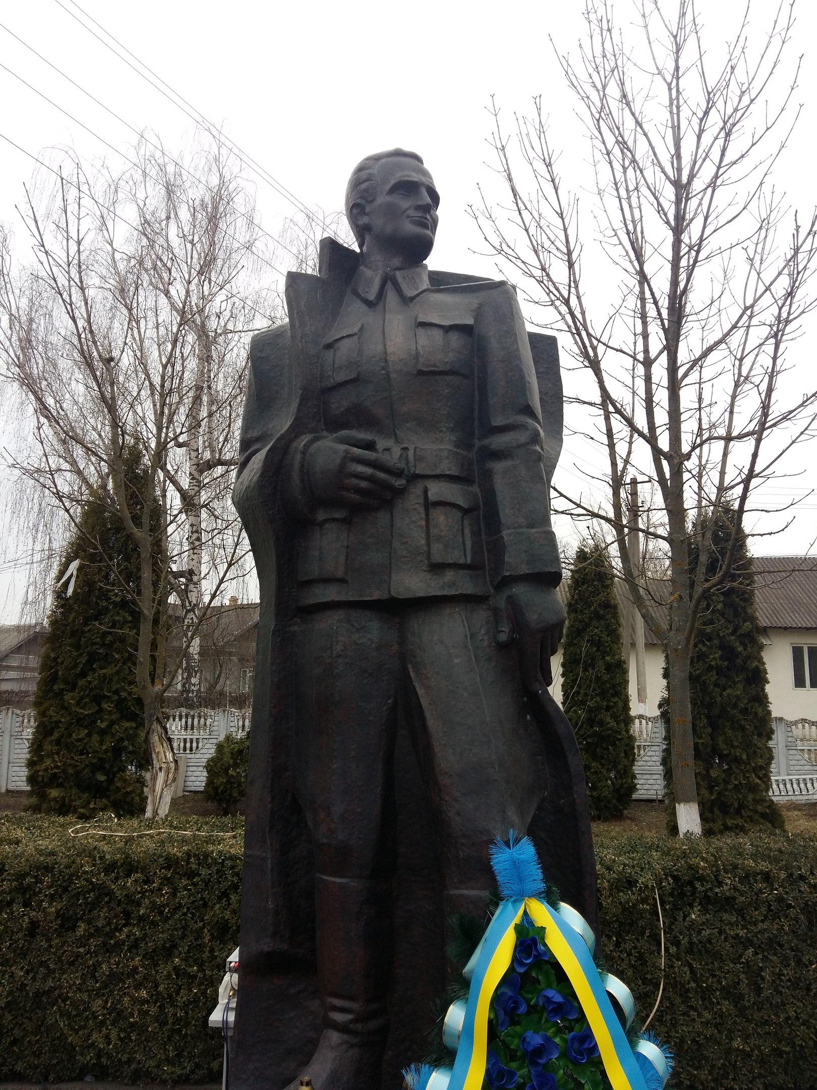 На Городенківщині вшанували 67-у річницю від дня загибелі головнокомандувача УПА Романа Шухевича (ФОТО+ВІДЕО)