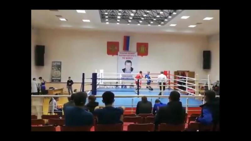Май 2017г.,с 3 по 6 Открытый Чемпионат Новосиб. области по боксу (среди мужчин от 19 до 40 лет)Мой бой