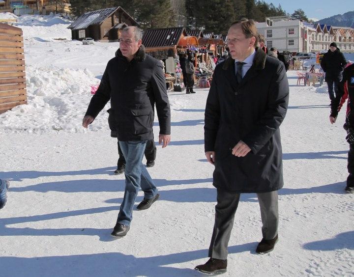 Лев Кузнецов и Рашид Темрезов посетили Зеленчукский район