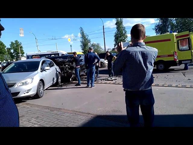Жёсткая авария в Твери. 07.06.2017.
