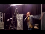 Олежа готовится к репетиции Уродов