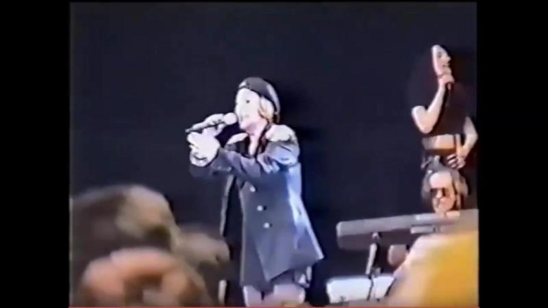 1998.Алла Пугачёва поет раритет советской песни Рулатэ