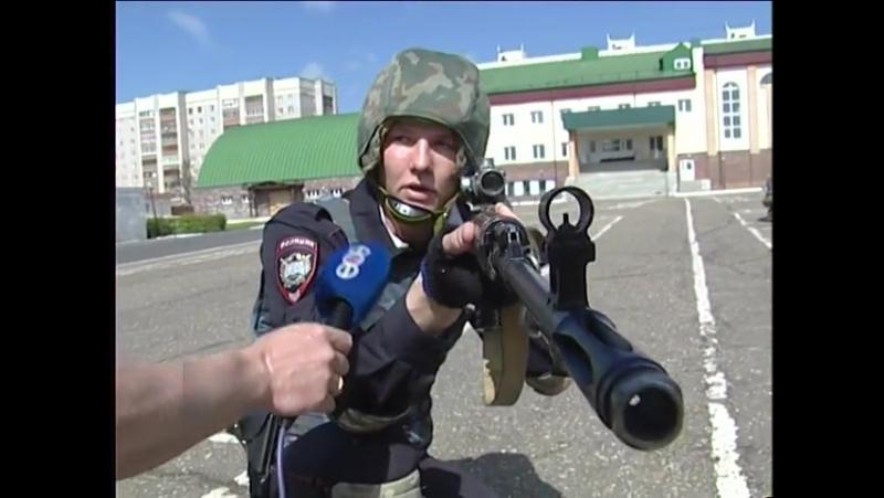 В Уфе курсанты МВД провели тактические учения.