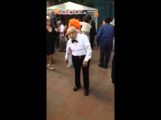 I so want to have his energy!!! Old man dancing salsa :)