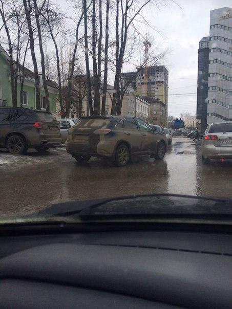 Глеба Успенского 12 Припарковался