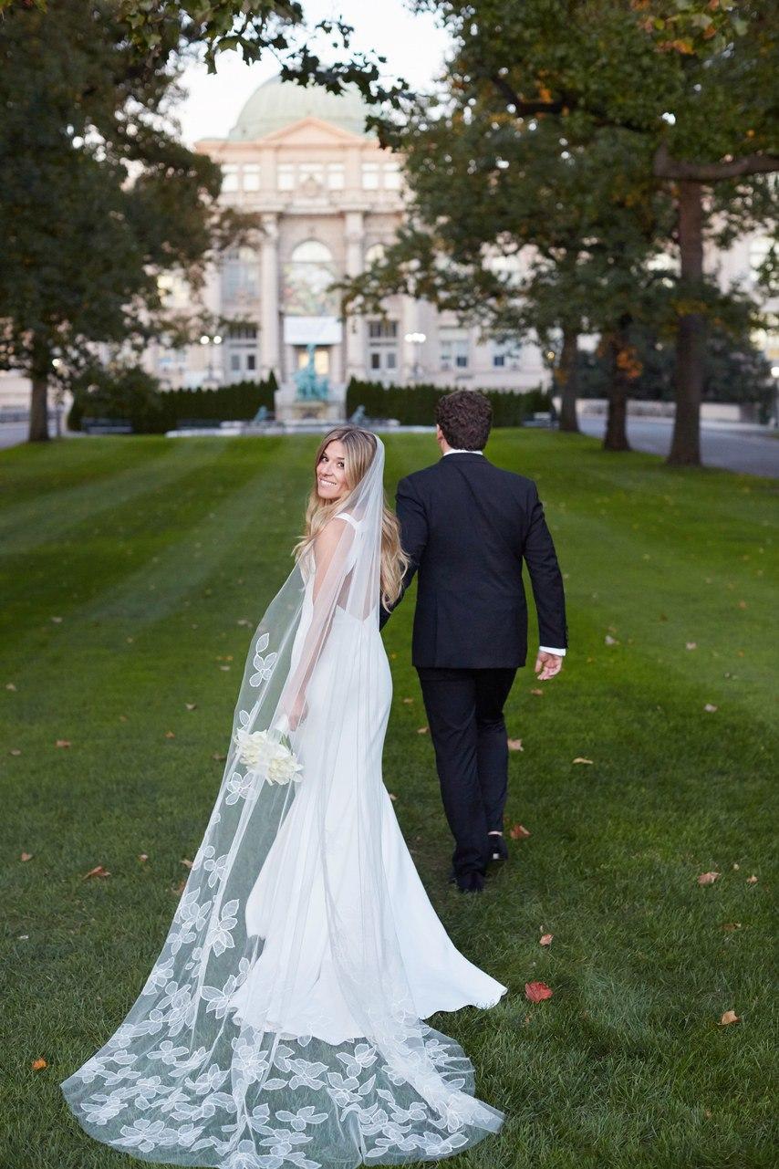 XzmsRYNJW1I - Особенности в работе ведущих на свадьбе