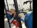 Стефани Санзо приседает 112 кг на 5 раз