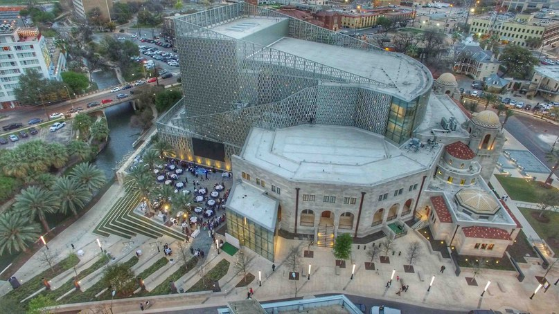Tobin Center for the Performing Arts / LMN Marmon Mok