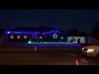 Christmas Light Show to Music - Australia - Thunderstruck