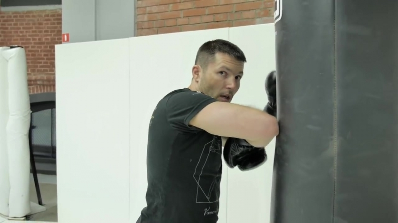 Клинч и локти в тайском боксе