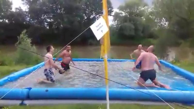 Волейбол в воді НебуХАЙ фест