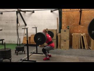 Front squat: 122 x 1 rep by Julie Abildgaard