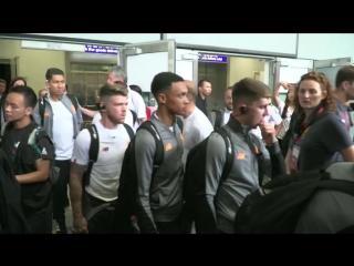 Reds arrive in Hong Kong