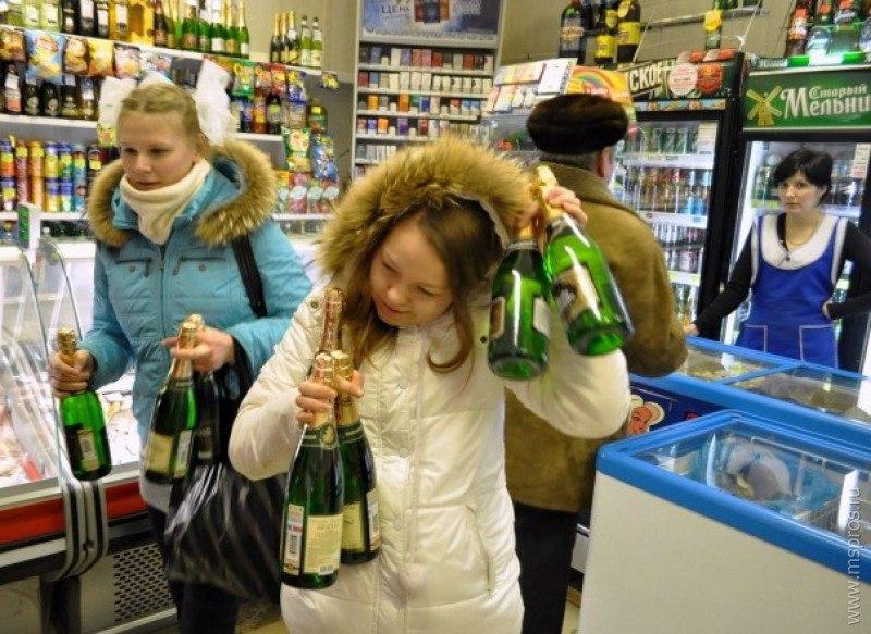 В Таганроге полицейские выявили факт повторной продажи алкоголя 17-летней школьнице
