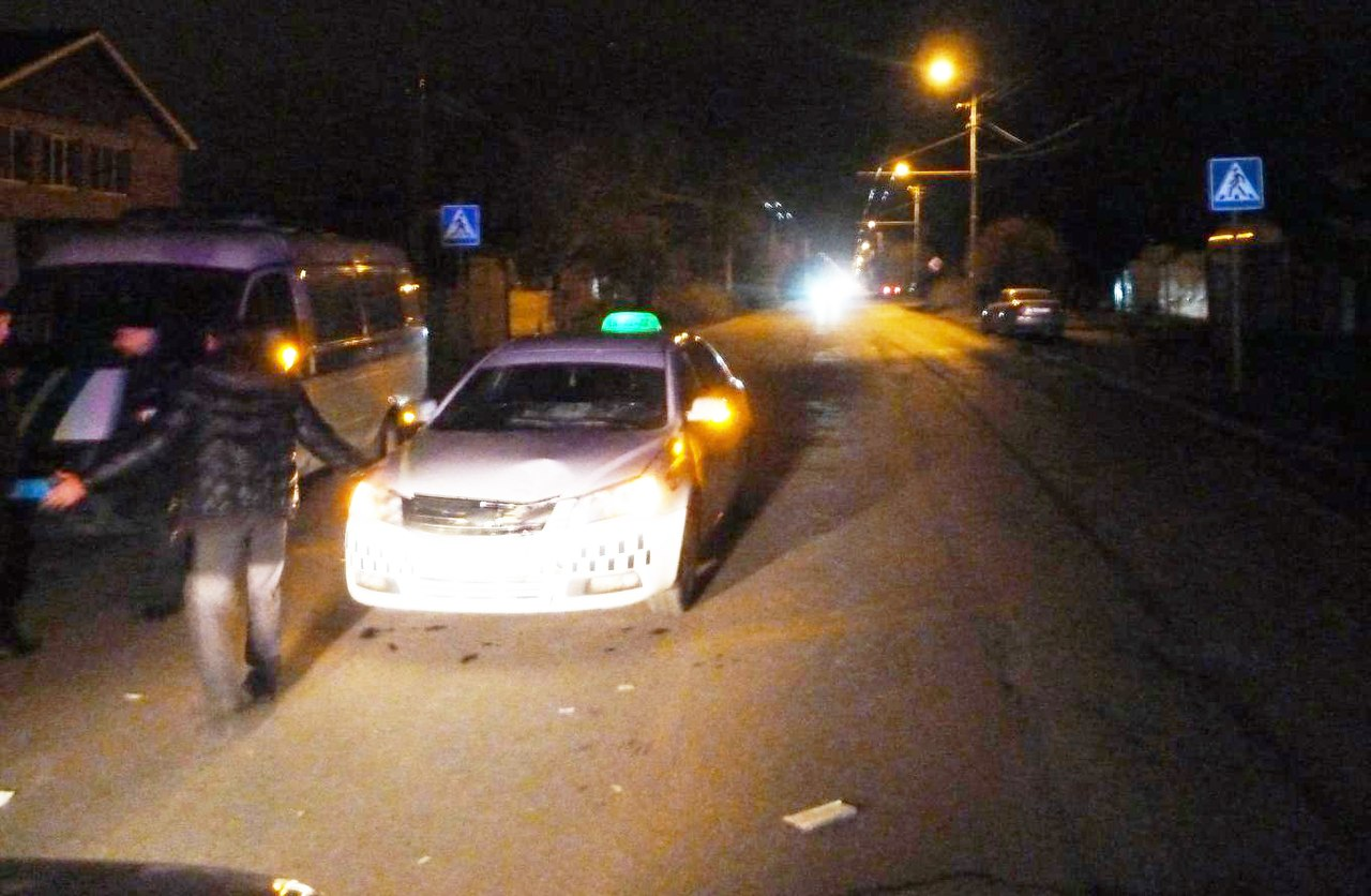 В Таганроге водитель такси сбил женщину на пешеходном переходе