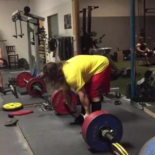 Дэн Грин тянет 320 кг на 7 раз