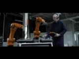 Промышленные роботы, играющие на музыкальных инструментах