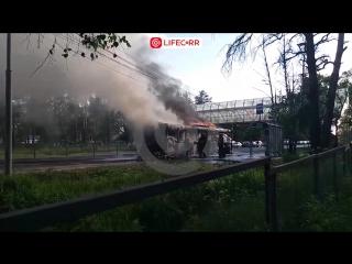 На Можайском шоссе у поселка ВНИИСОК сгорел пассажирский автобус