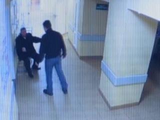 Видео нападение на врачей женщин в Новгороде