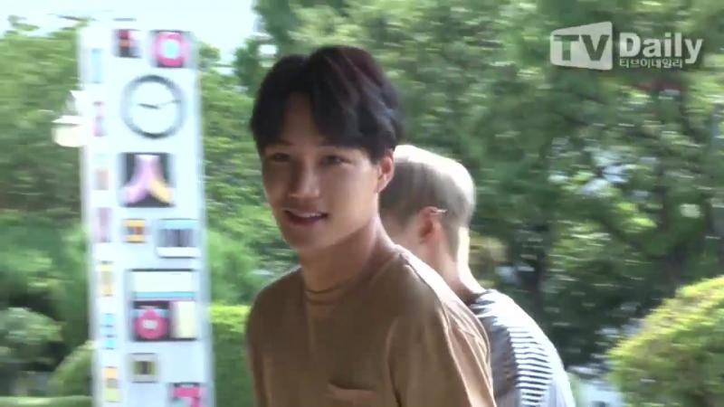 [TD영상] 샤이니 태민-엑소 카이-여자친구 예린 '비주얼 센터의 화보 같은 출근길'