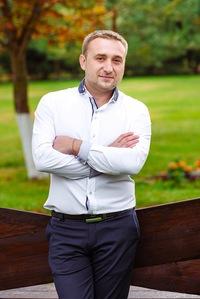 Макс Пугачев
