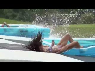Гонки девушек на воде