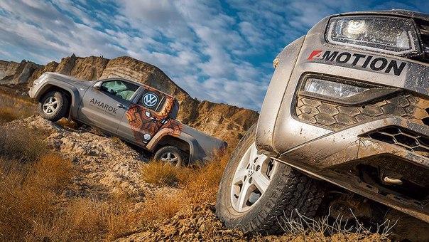 Тест-драйв 'Денег': Volkswagen Amarok: слишком нарядный для 'рабочей л