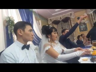 А вот еще со свадьбы Аскер Марал. Царский стол