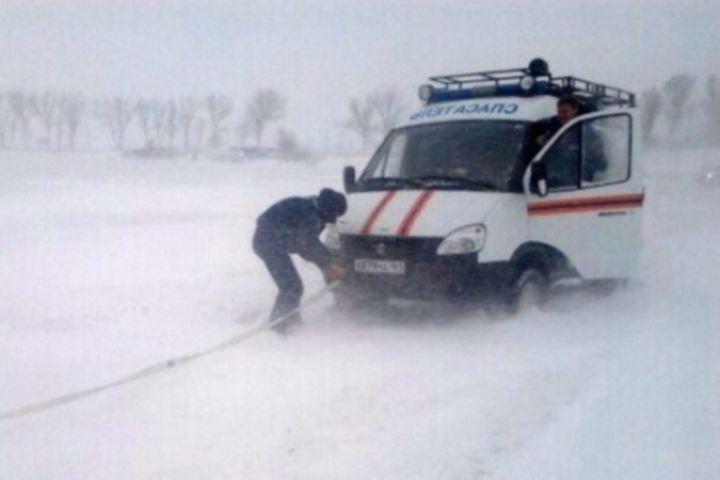На опасных участках трасс «Ростов-Таганрог» М-4 «Дон» и М-21 дежурят сотрудники МЧС